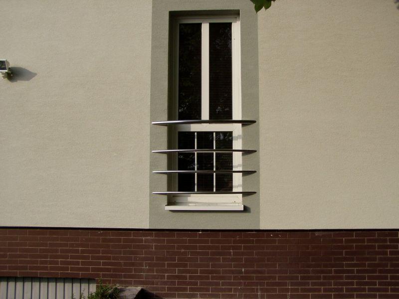 Prezeráte obrázky z článku: Nerezové zábradlia a brány